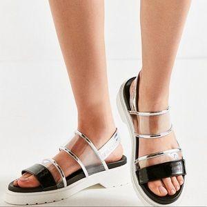 Amazing 90's inspired sandals!